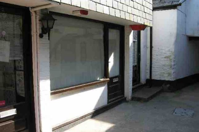 Retail premises to let in 1, Quay Mews, Truro, Cornwall