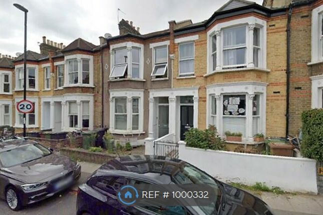 2 bed flat to rent in St Asaph Rood, London SE4