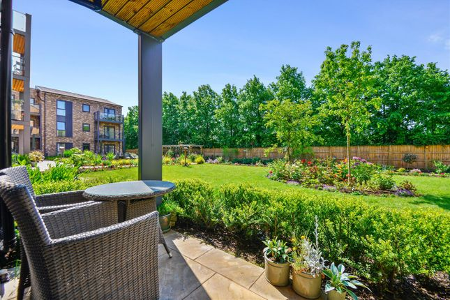 Thumbnail Flat for sale in Miami House, Princes Road, Chelmsford, Essex