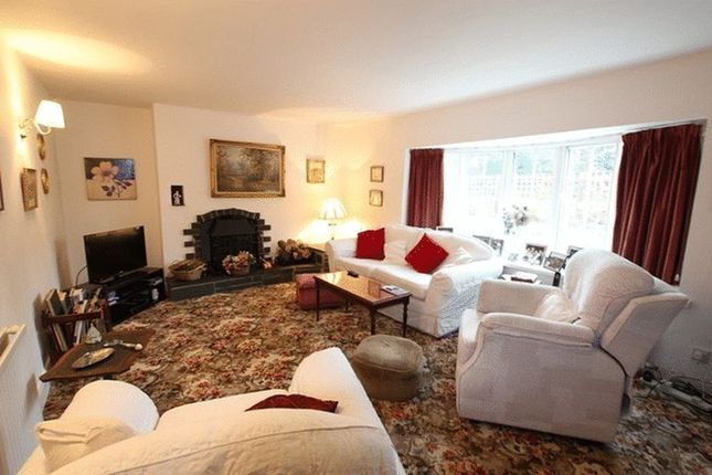 Lounge of Hooton Road, Willaston, Cheshire CH64