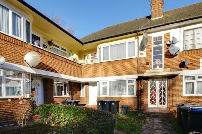Thumbnail Flat to rent in Pymmes Close, Palmers Green