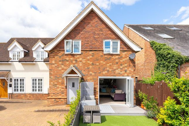 3 bed property for sale in St. Andrew Street, Hertford SG14
