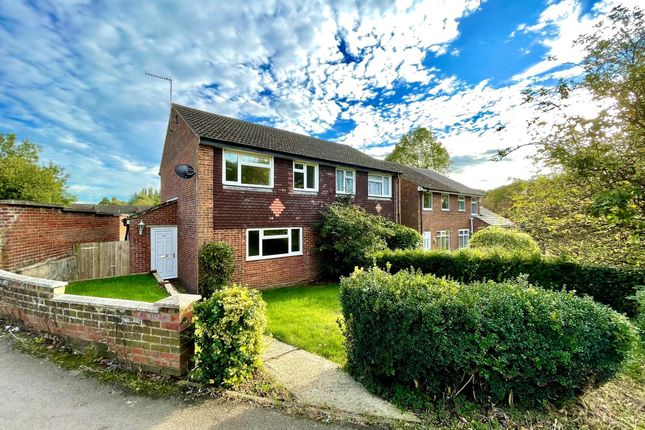 3 bed property to rent in March Edge, Buckingham MK18