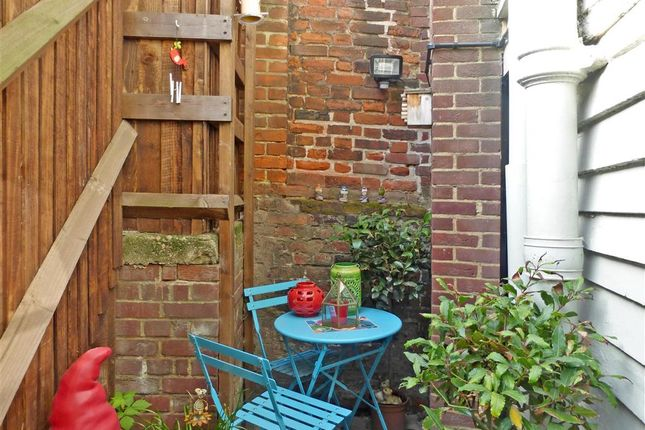 Thumbnail End terrace house for sale in Victoria Street, Rochester, Kent