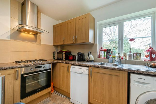 Thumbnail Flat to rent in Monarch Mews, Streatham Common, London