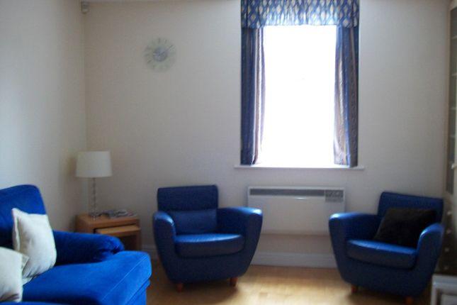 Thumbnail Flat to rent in Henley Street, Stratford-Upon-Avon