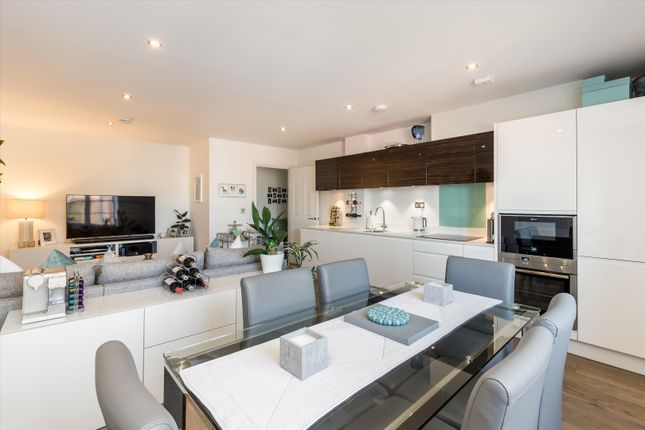 Thumbnail Flat for sale in Wakefield Road, Richmond
