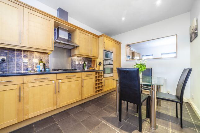 Thumbnail Flat to rent in Willow Lodge, London