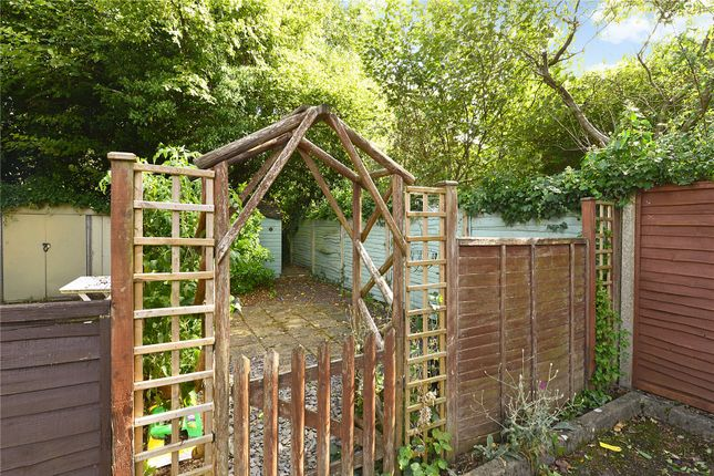 Picture No. 18 of 6 Yew Tree Road, Witley, Surrey GU8
