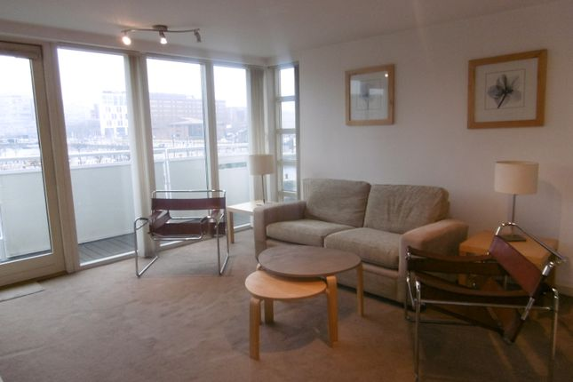 2 bed flat to rent in Royal Quay, Liverpool