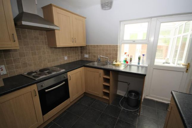 Thumbnail Semi-detached house to rent in Woodbridge Road, Ipswich, Suffolk