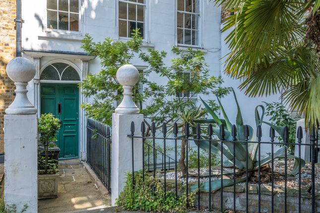 Thumbnail Flat for sale in Colebrooke Row, London