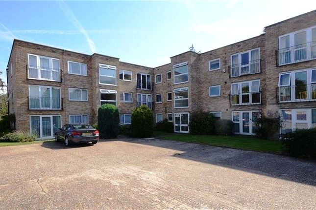 2 bed flat for sale in Riseley Road, Maidenhead, Berkshire