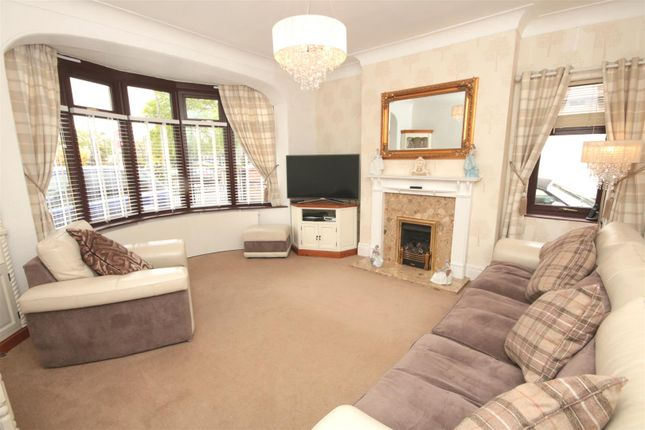Lounge of The Avenue, Bessacarr, Doncaster DN4