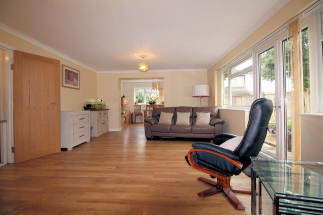 Living Room of Wychwood Close, Sonning Common RG4