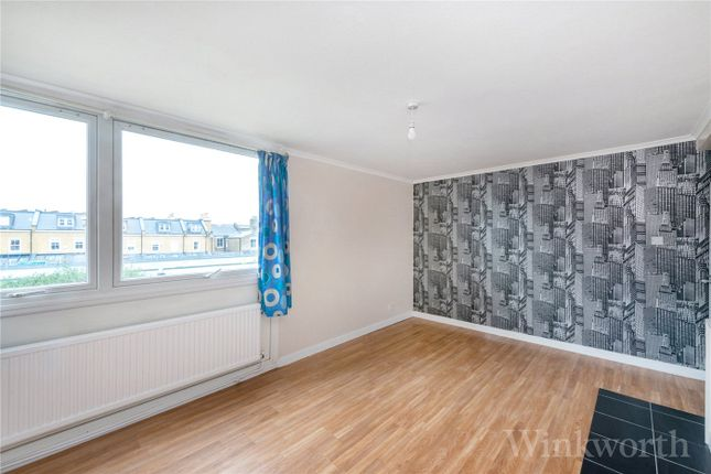 2 bed flat to rent in Brenchley Gardens, Forest Hill, London SE23