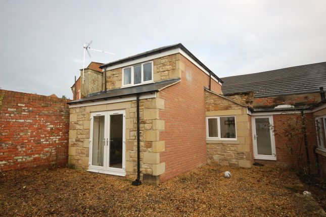 Thumbnail Cottage to rent in Gilesgate, Durham
