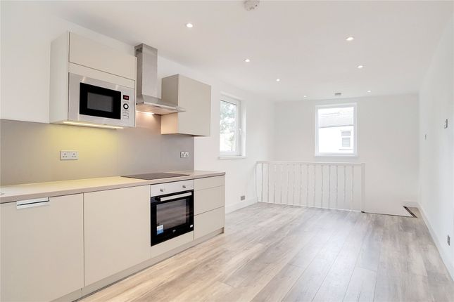 Thumbnail Flat for sale in Cann Hall Road, London