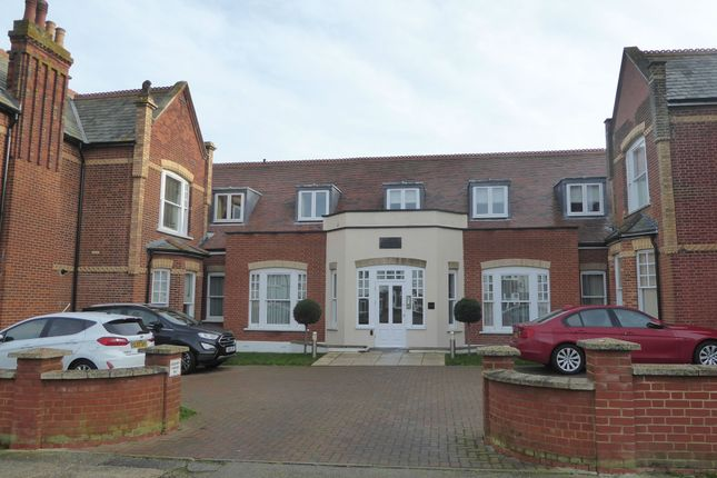 Thumbnail Flat to rent in Graystone Road, Tankerton, Whitstable