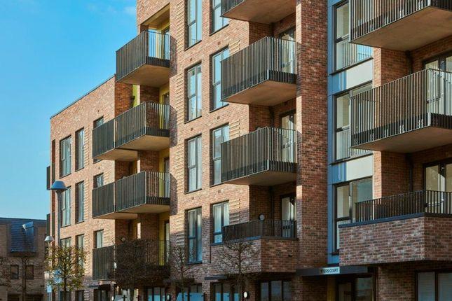 2 bedroom flat for sale in Reynard Way, Off Windmill Road, London