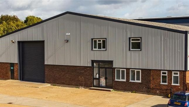 Thumbnail Light industrial to let in Unit E2, Larkfield Trading Estate, New Hythe Lane, Larkfield, Aylesford, Kent