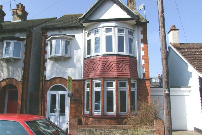 Thumbnail Detached house to rent in Lansdowne Avenue, Leigh-On-Sea