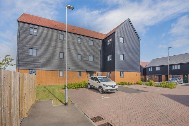 2 bed flat for sale in Hardy Close, Queenborough, Kent ME11