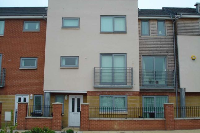 Thumbnail Property to rent in Falconwood Way, Manchester