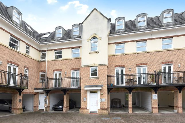 Thumbnail Flat for sale in Hipley Street, Old Woking, Woking