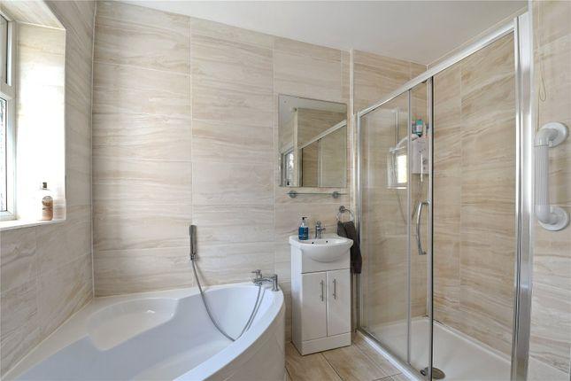 Bathroom of Colworth Road, London E11