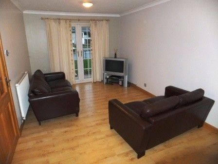Flat to rent in Forth View, Kincardine On Forth, Alloa