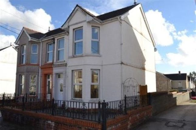 Thumbnail Property to rent in Florence Road, Ammanford