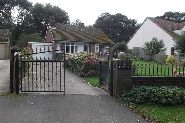 Thumbnail Bungalow to rent in Easthall Road, North Kelsey, Market Rasen