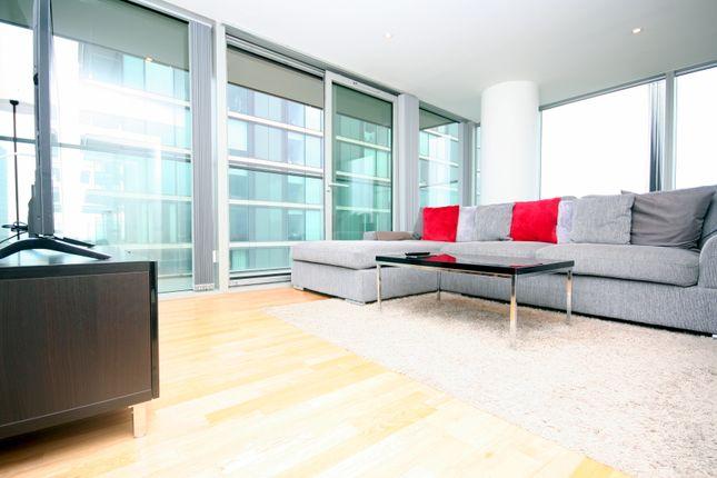 Thumbnail Flat to rent in Landmark West Tower, Marsh Wall, London