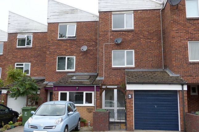 Thumbnail Terraced house to rent in Huntington Close, Redditch