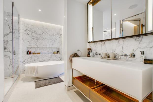 Bathroom of St Edmund's Terrace, Primrose Hill, London NW8