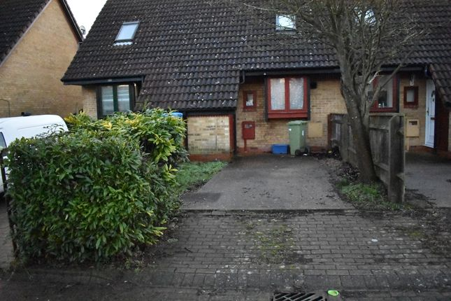 Thumbnail Terraced house to rent in Carnot Close, Milton Keynes