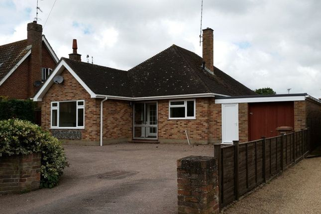 Thumbnail Bungalow to rent in Norwich Road, Fakenham