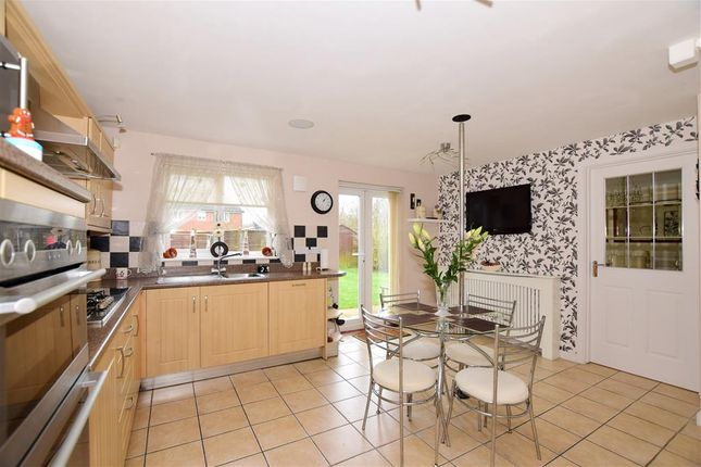 Thumbnail Link-detached house for sale in Long Shaw Close, Boughton Monchelsea, Maidstone, Kent