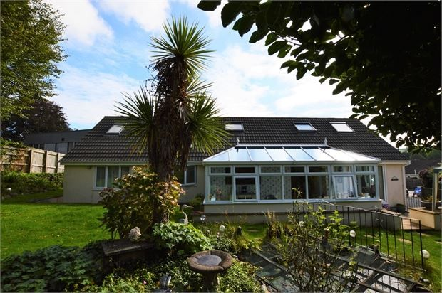 Thumbnail Detached bungalow for sale in Balland Park, Ashburton, Ashburton, Devon.