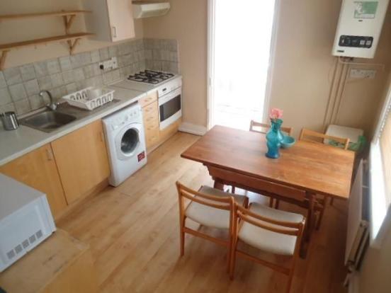 Thumbnail Flat to rent in Stoke Newington Road, Stoke Newington