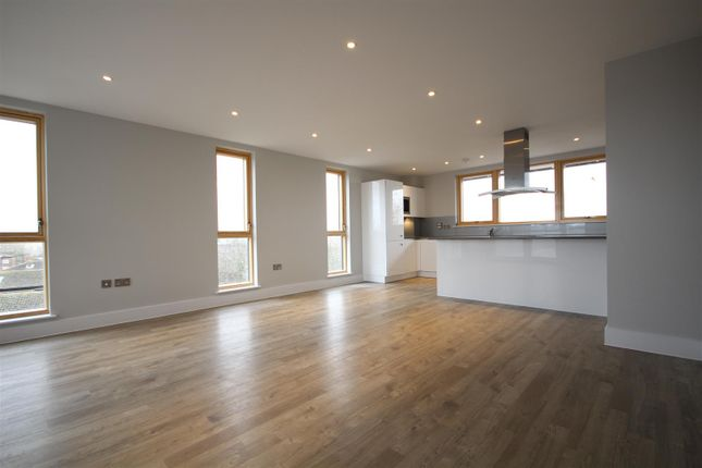 Thumbnail Flat to rent in East Acton Lane, Acton