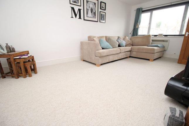 Thumbnail Flat to rent in Bucknor Close, Bognor Regis