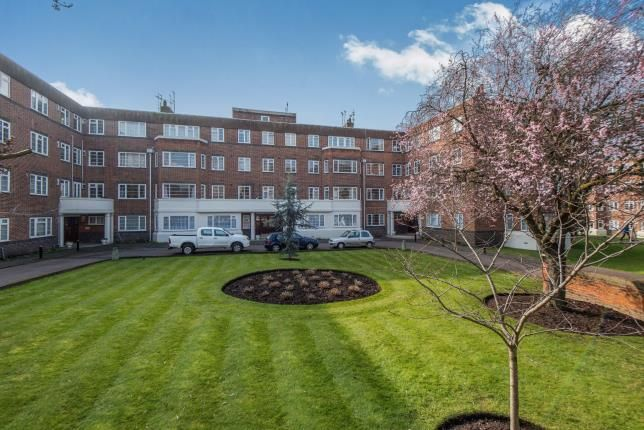 Thumbnail Flat for sale in Sheen Court, Richmond