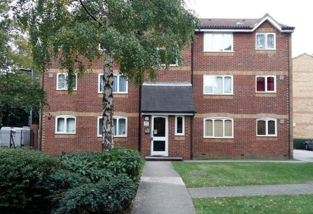 Thumbnail Flat to rent in Greenslade Road, London