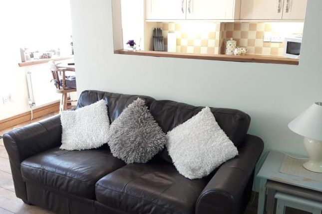 Thumbnail Cottage to rent in Main Street, Greysouthen, Cockermouth