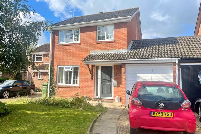 3 bed link-detached house to rent in Grange Road, Somersham, Huntingdon PE28