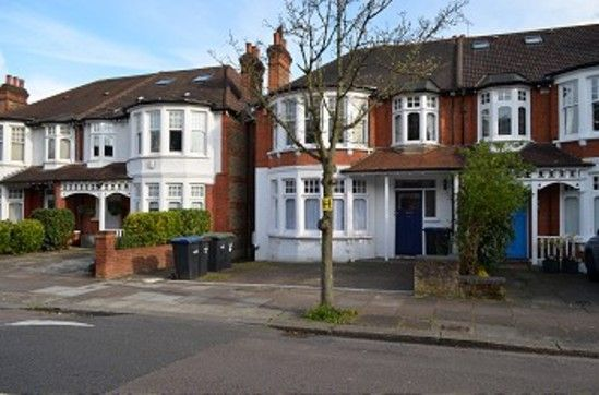 Thumbnail Flat to rent in Selborne Road, London
