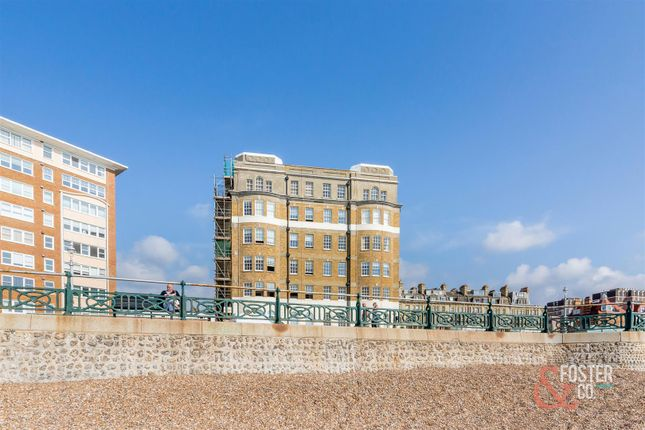 2 bed flat for sale in Courtenay Terrace, Hove BN3