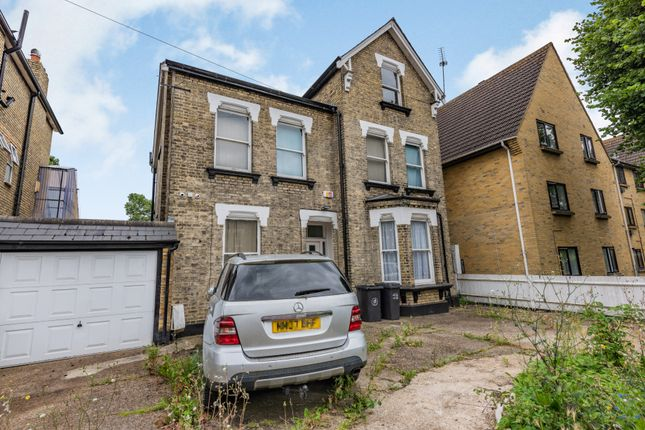 Thumbnail Property for sale in 11 Dunheved Road North, Thornton Heath, Surrey